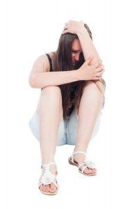 悲しいと泣いている女性