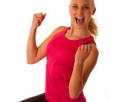 健康の体を運動で維持する女性